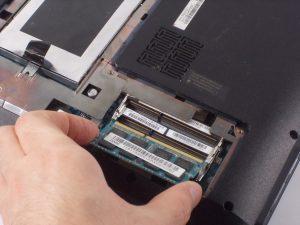 آموزش تعویض رم Lenovo Essential B570