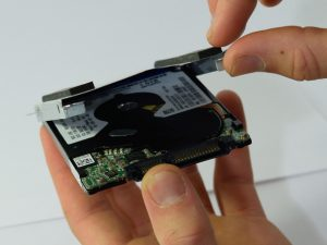 روش تعویض دیسک سخت Lenovo Edge 15
