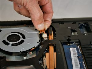 راهنمای تصویری تعویض قاب بالایی Lenovo G50-80 80E5