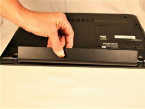 آموزش تصویری تعویض قاب بالایی Lenovo G50-80 80E5