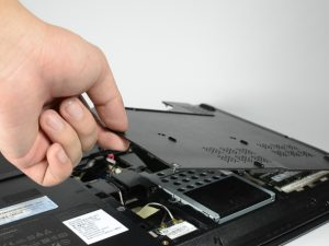 راهنمای تعویض پنل پشتی Lenovo Essential G560